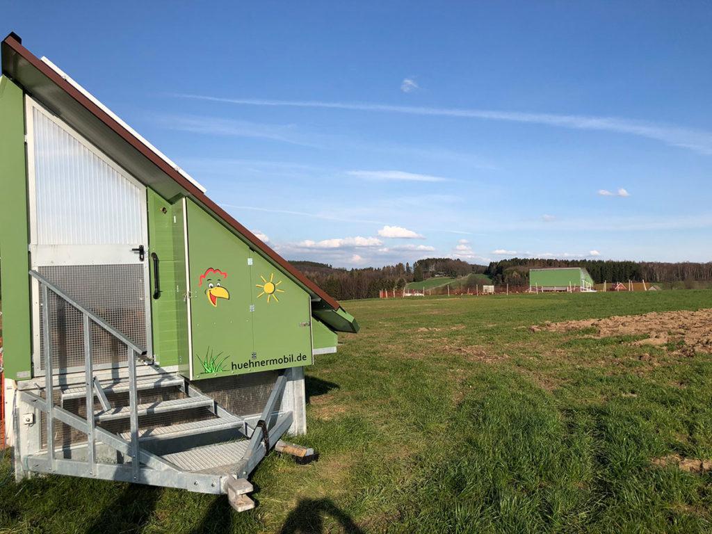 Hühnermobile auf Bauernhof Holberg in Radevormwald